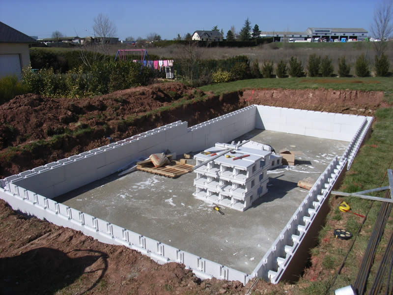 Construction de votre piscine rodez aveyron for Fabrication piscine beton