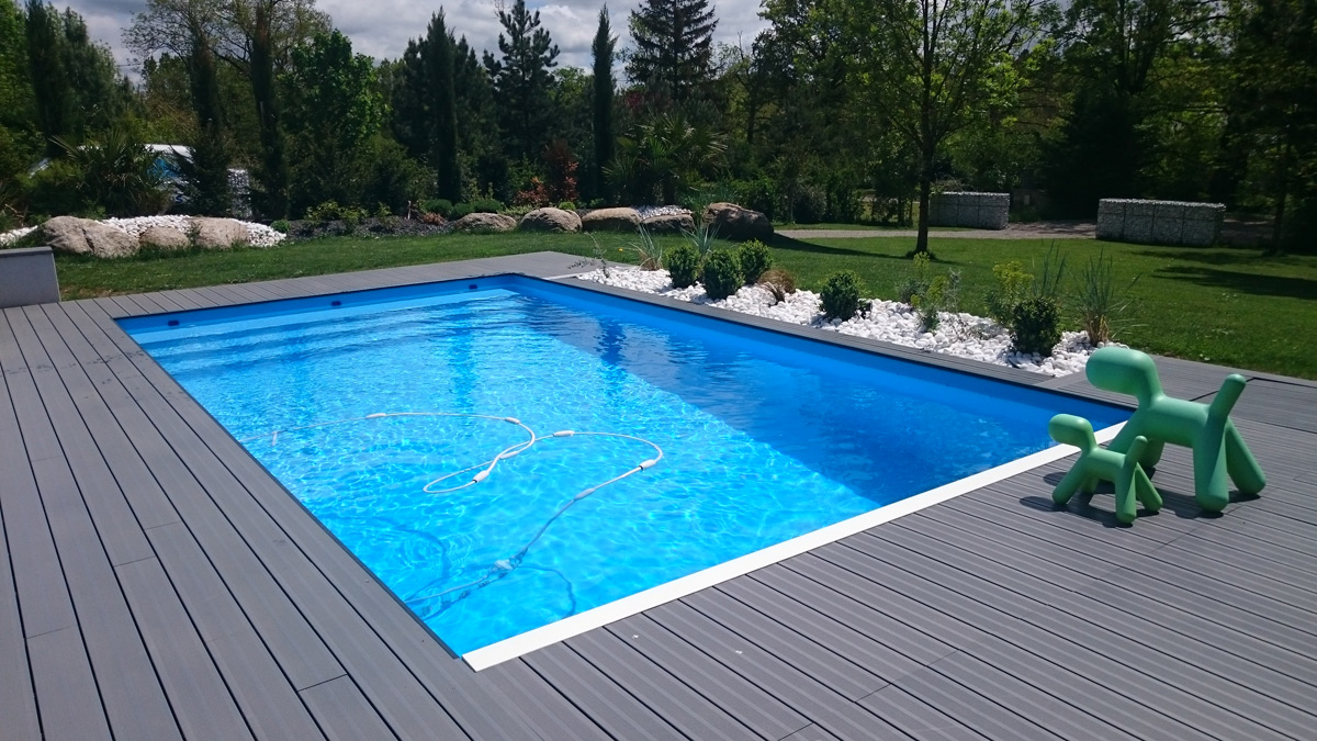 aveyron piscines construit votre piscine couloir de nage ext rieure ou int rieure. Black Bedroom Furniture Sets. Home Design Ideas