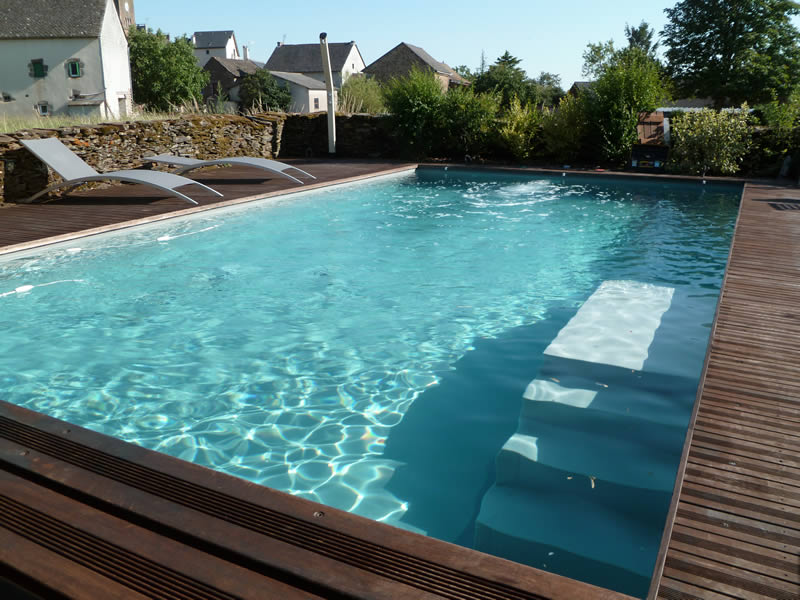 Prix d une piscine hors sol 25 best ideas about parquet for Prix piscine interieur